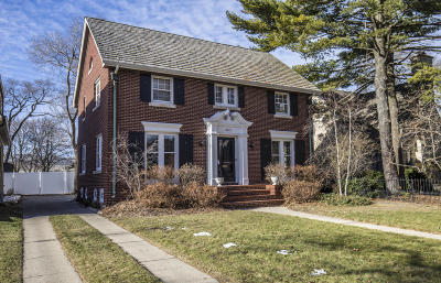 Whitefish Bay Single Family Home Active Contingent With Offer: 5715 N Bay Ridge Ave