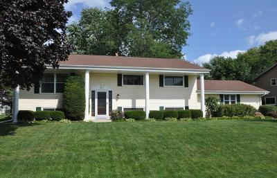 Racine Single Family Home Active Contingent With Offer: 5511 Gallant Fox Ln