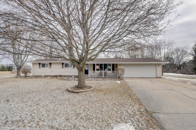 Kenosha Single Family Home Active Contingent With Offer: 4503 63rd Ave