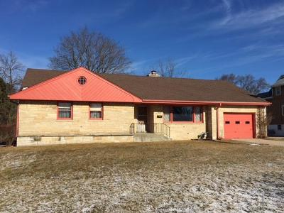 South Milwaukee Single Family Home Active Contingent With Offer: 1504 Marquette Ave