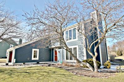 Waukesha Single Family Home Active Contingent With Offer: N27w22538 Burningwood Ln