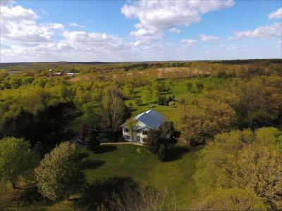 Jefferson County Single Family Home Active Contingent With Offer: N2260 County Road E