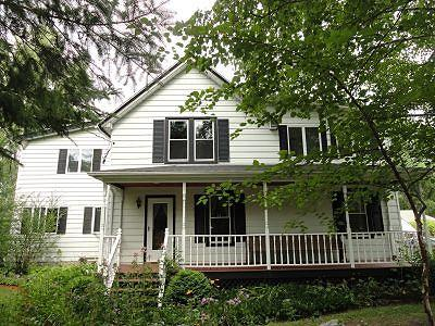 Kewaskum Single Family Home Active Contingent With Offer: 3666 Town Hall Rd