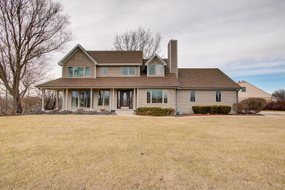 Racine County Single Family Home Active Contingent With Offer: 124 Emerald Dr