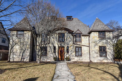 Milwaukee County Single Family Home Active Contingent With Offer: 2614 E Menlo Blvd