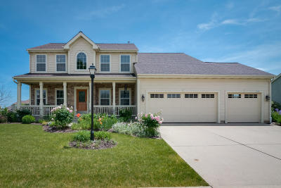 Ozaukee County Single Family Home For Sale: 1856 Splitwood Dr