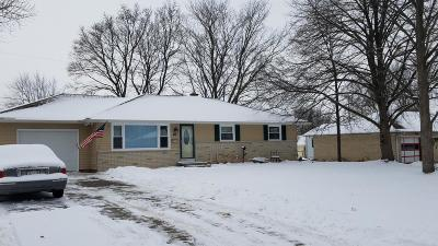 Mukwonago Single Family Home Active Contingent With Offer: 315 Macarthur Drive