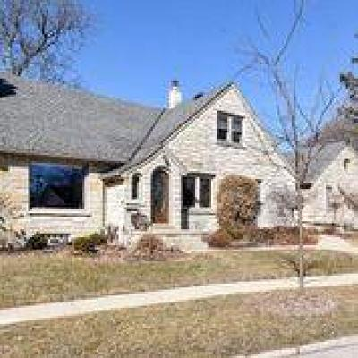 West Allis Single Family Home For Sale: 2433 S 52nd St