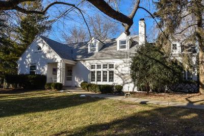 Milwaukee County Single Family Home Active Contingent With Offer: 830 E Fairy Chasm Rd