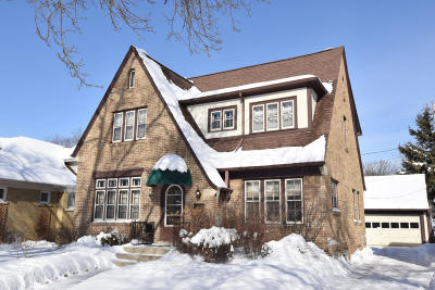 Wauwatosa Single Family Home Active Contingent With Offer: 8116 Richmond Ct