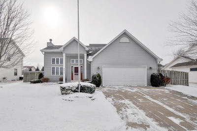 Racine County Single Family Home Active Contingent With Offer: 8517 Broadway Dr