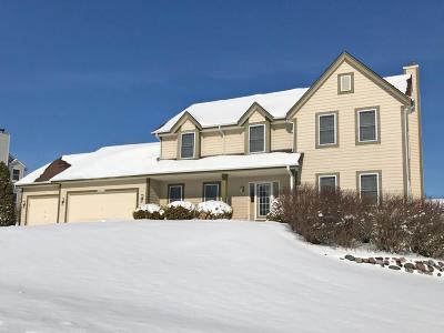 Waukesha County Single Family Home For Sale: N61w12792 Hemlock Ct