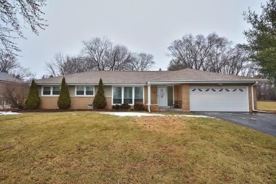 Brookfield Single Family Home Active Contingent With Offer: 14440 Tulane St