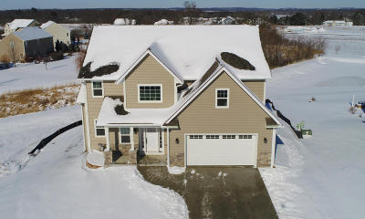 Mukwonago Single Family Home For Sale: 1310 Orchard View Ln