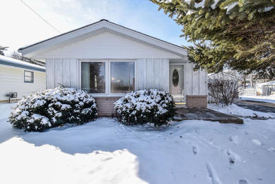 Ozaukee County Single Family Home For Sale: 1415 5th Ave