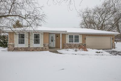Ozaukee County Single Family Home Active Contingent With Offer: 12442 N Center Dr