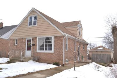 Milwaukee County Single Family Home For Sale: 2936 S Clement Ave