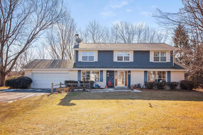New Berlin Single Family Home Active Contingent With Offer: 19775 W Imperial Ct