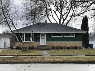 Waukesha County Single Family Home Active Contingent With Offer: 1613 Cedar Ln