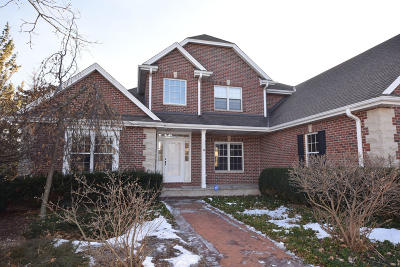 Menomonee Falls Single Family Home For Sale: N53w16721 Whitetail Run
