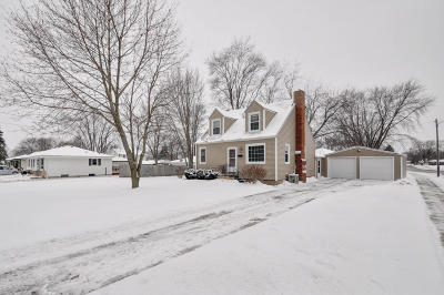 Kenosha County Single Family Home Active Contingent With Offer: 5500 49th Ave