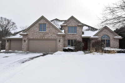 Waukesha County Single Family Home Active Contingent With Offer: 2620 Willow Springs Dr