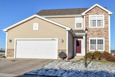Ozaukee County Single Family Home For Sale: 1834 Windrush Dr