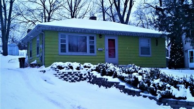 Waukesha County Single Family Home For Sale: 220 Spring St