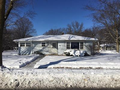 Waukesha County Single Family Home Active Contingent With Offer: 722 N Moreland Blvd