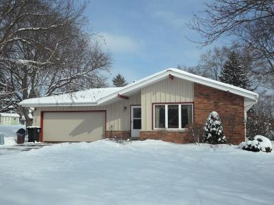 Menomonee Falls Single Family Home Active Contingent With Offer: N51w17765 Lulu Ct