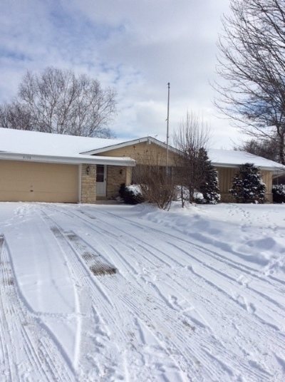 Franklin Single Family Home Active Contingent With Offer: 8136 S Steepleview Dr