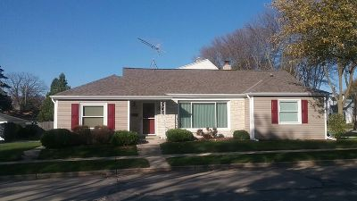 West Allis Single Family Home Active Contingent With Offer: 7906 W Arthur Ave