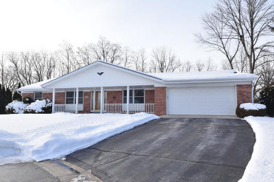 Ozaukee County Single Family Home For Sale: 1102 Claern Ct.