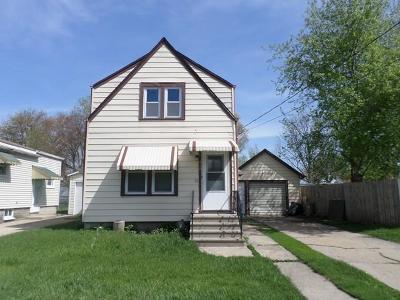 Kenosha Single Family Home For Sale: 918 43rd St