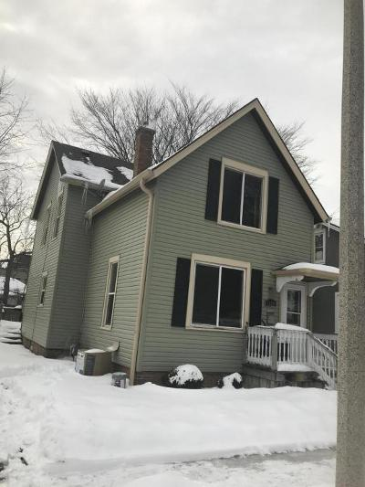 Racine Single Family Home For Sale: 1528 Park Ave