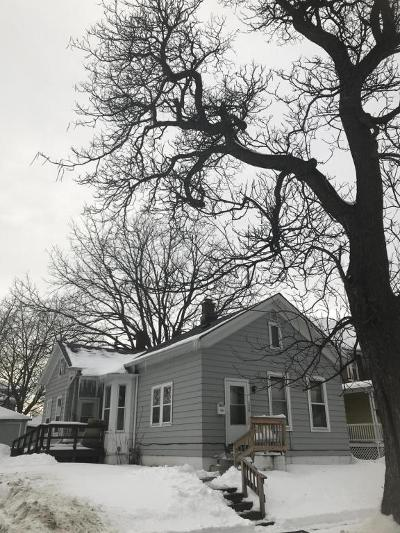 Racine Single Family Home For Sale: 1446 Superior St