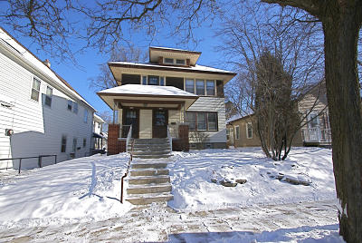 Milwaukee County Two Family Home Active Contingent With Offer: 2738-2740 S Superior St