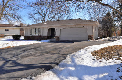 Racine Single Family Home Active Contingent With Offer: 3315 Linden Ln