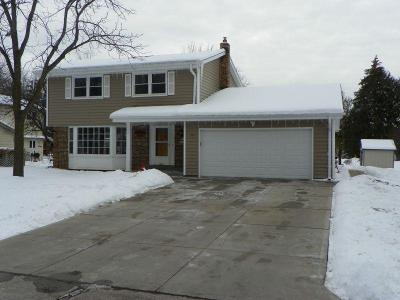 Muskego Single Family Home For Sale: S70w14845 Dartmouth Cir
