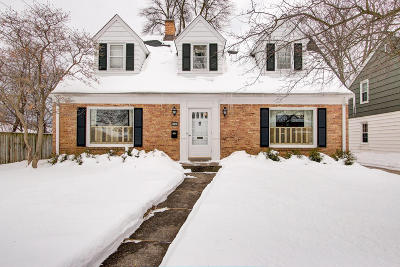 Wauwatosa Single Family Home Active Contingent With Offer: 2644 N 96th St