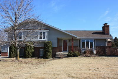 West Bend Single Family Home Active Contingent With Offer: 6824 Shady Lane Rd