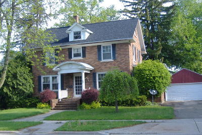 Jefferson County Single Family Home For Sale: 767 E Madison St.