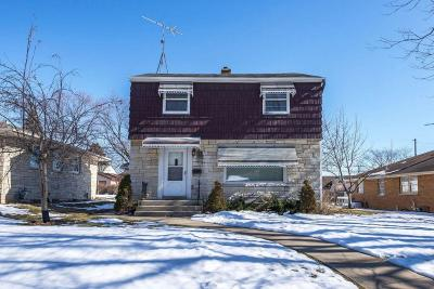 Greenfield Single Family Home Active Contingent With Offer: 3364 Strothmann Dr