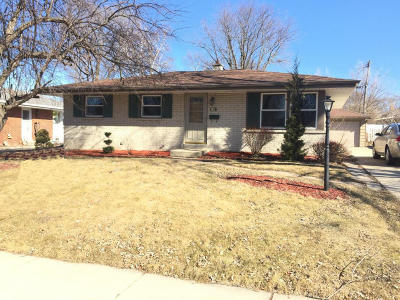 Menomonee Falls Single Family Home Active Contingent With Offer: W149n8418 Norman Dr