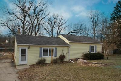Racine County Single Family Home For Sale: 2404 N River Rd