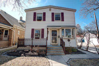 Milwaukee Single Family Home Active Contingent With Offer: 2617 S Linebarger Ter