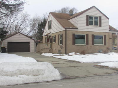 West Allis Single Family Home Active Contingent With Offer: 2151 S 110th St