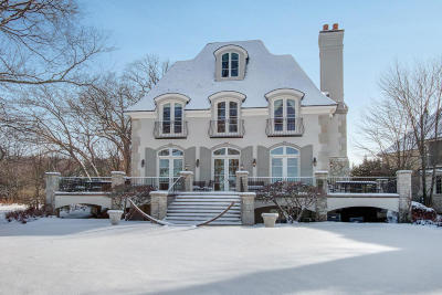 Lake Geneva Single Family Home Active Contingent With Offer: N1621 E Lakeside Ln