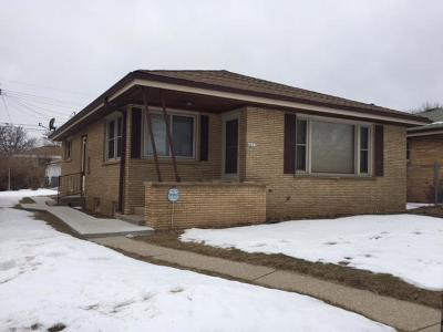 Milwaukee County Single Family Home For Sale: 4257 N 70th St