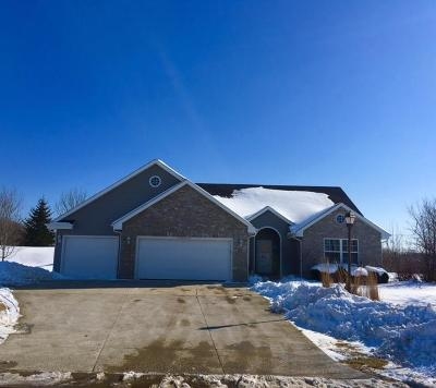 Germantown WI Single Family Home For Sale: $334,990